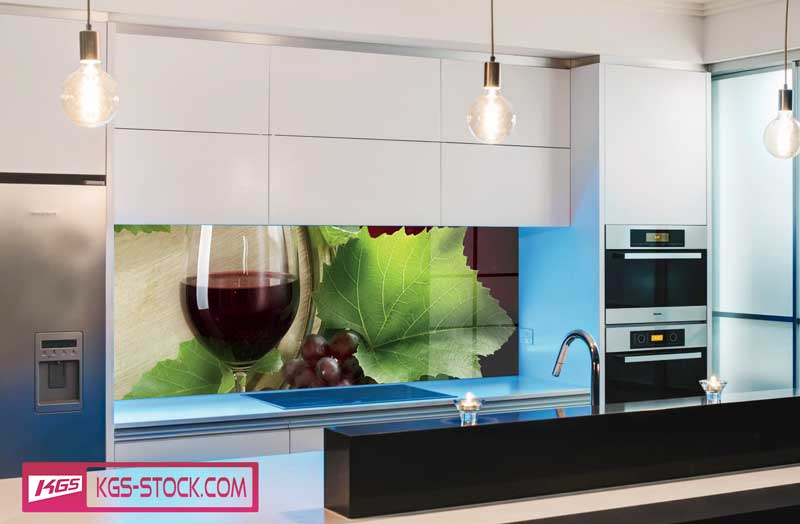 Splashbacks Glass design - Girls with glass of wine - 100268