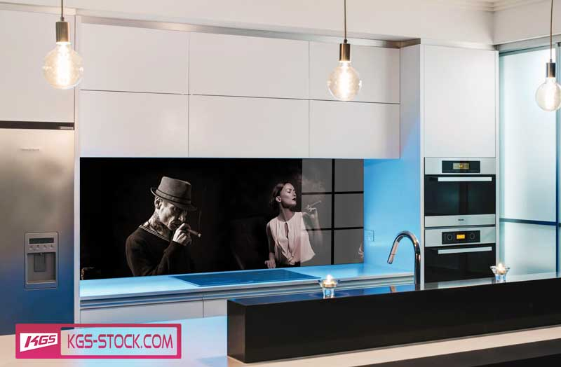 Splashbacks Glass design - Cigar smokers in the dark - 100723
