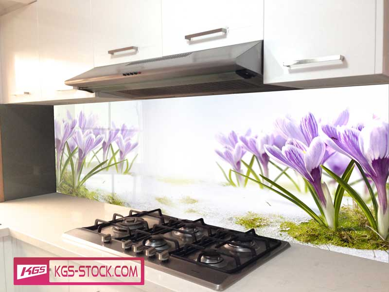 Splashbacks Glass design - Purple flowers in sand - 100529